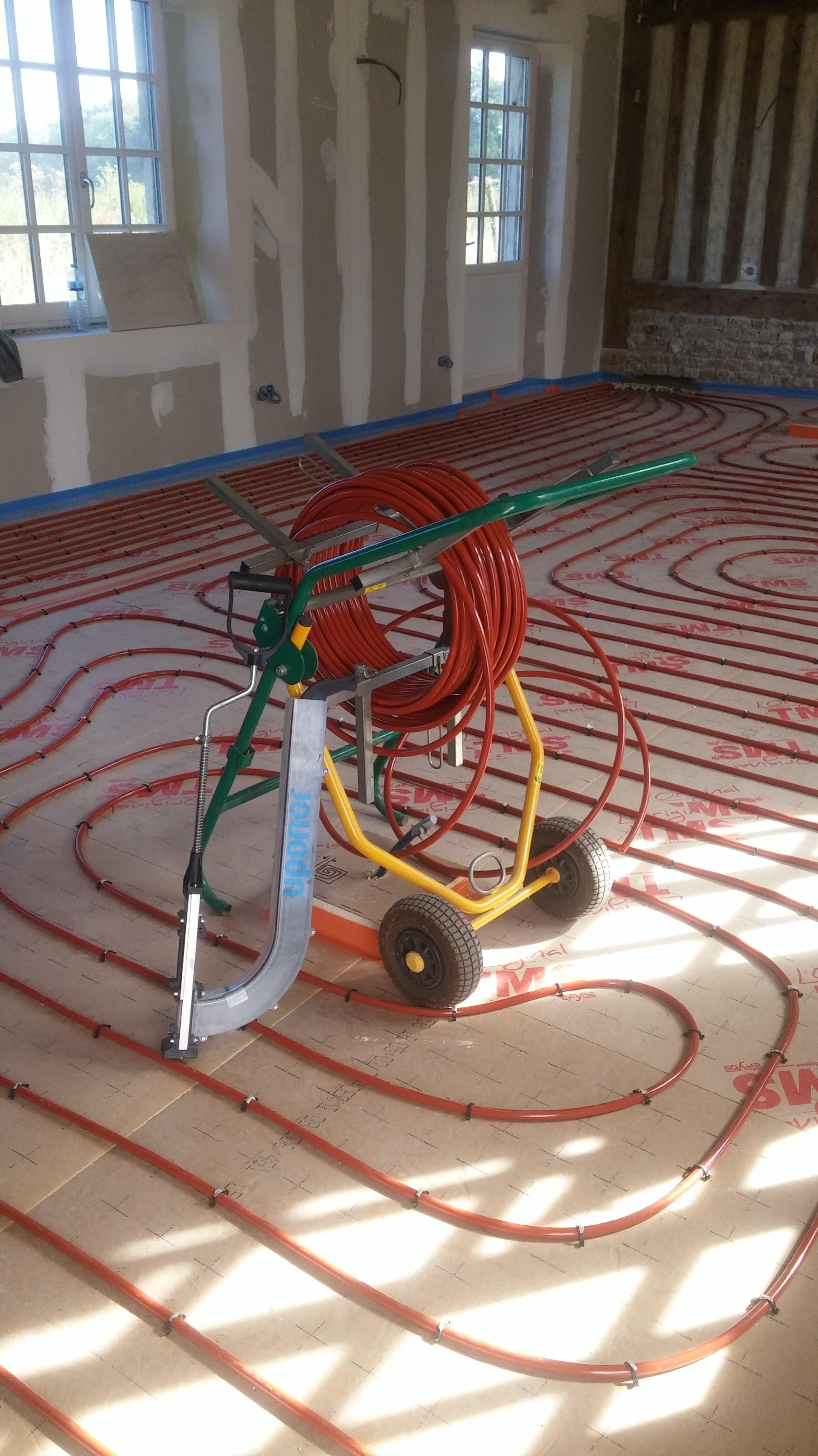 Installation d'un plancher chauffant couplé à une Pompe À Chaleur aérothermique à Branville - 14430