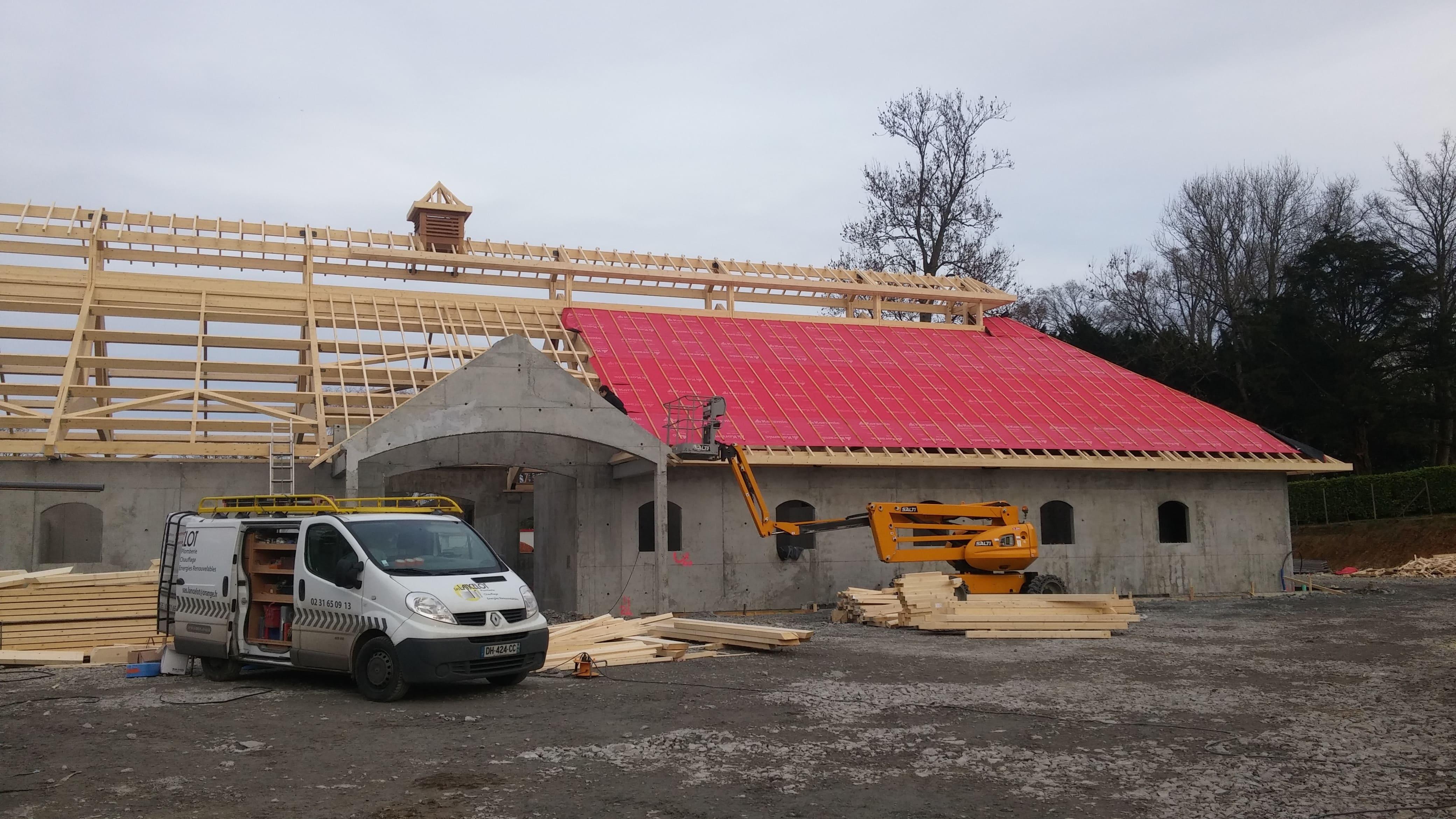 Travaux de construction d'un haras, passage de réseaux d'alimentation d'eau et mise en place d'équipements sanitaires à Cambremer (14340) - Entre Lisieux et Caen